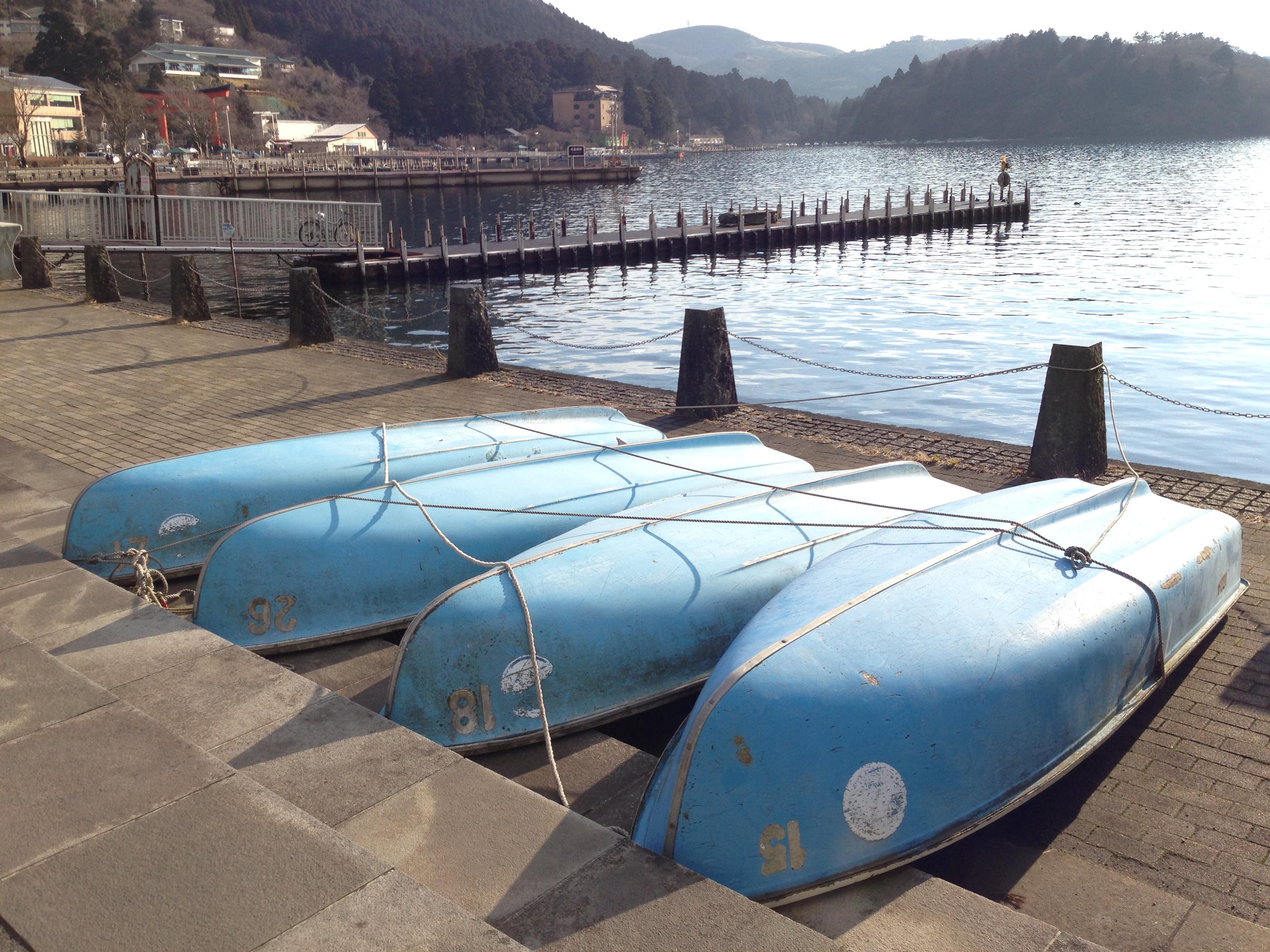 湖畔はぼんやりと景観を楽しむのが一番 ‐ぶらり芦ノ湖の旅