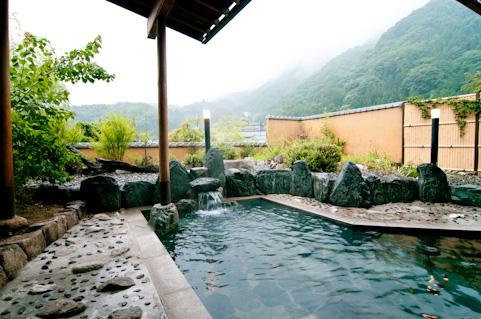 【行き詰まったら温泉だ】「旅先の風呂」が最高にクリエイティブになれる3つの理由